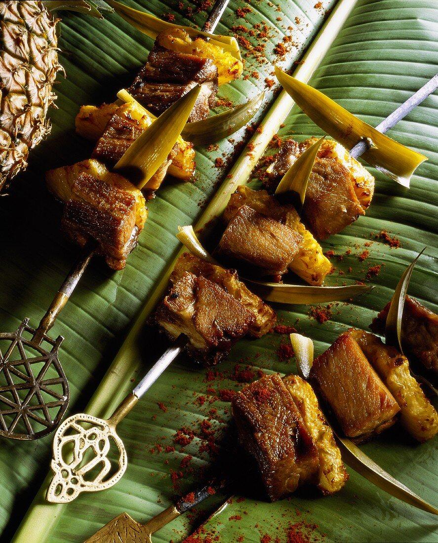 Pork kebabs with pineapple (Antilles)