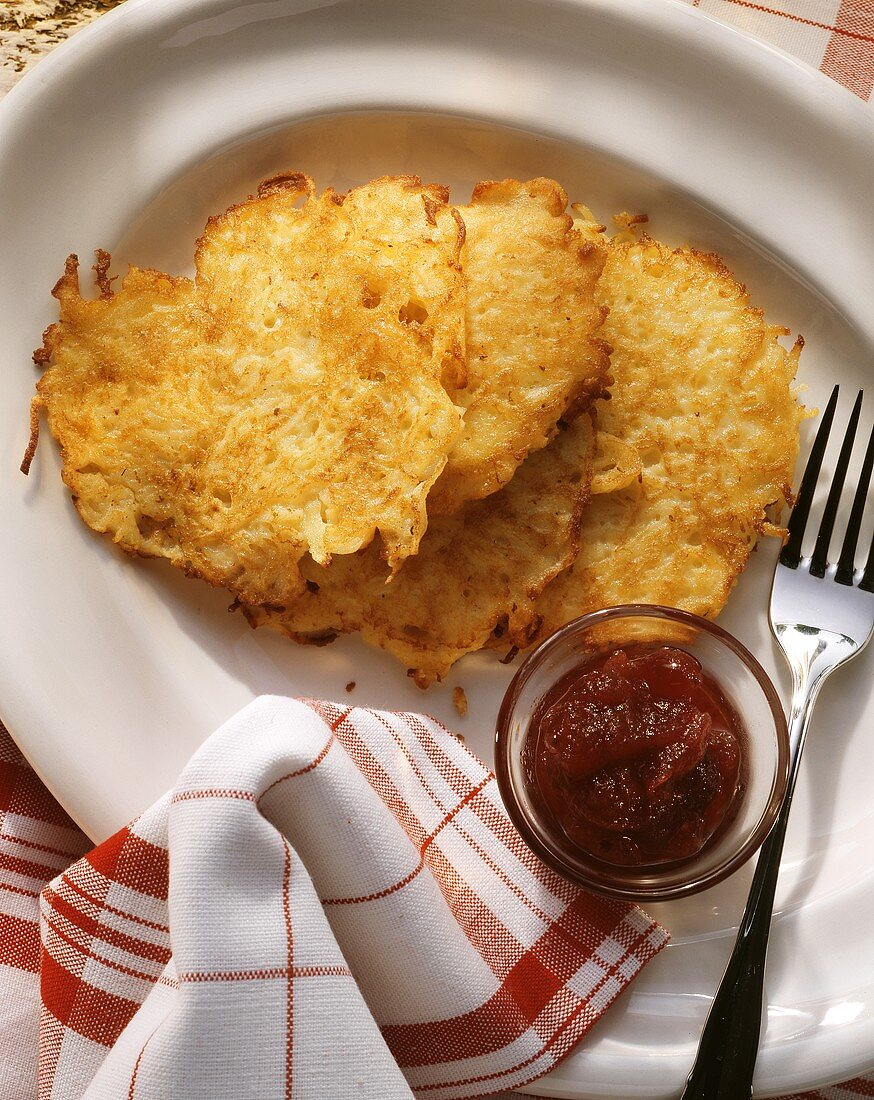 Rhenish potato pancake with cranberry jam