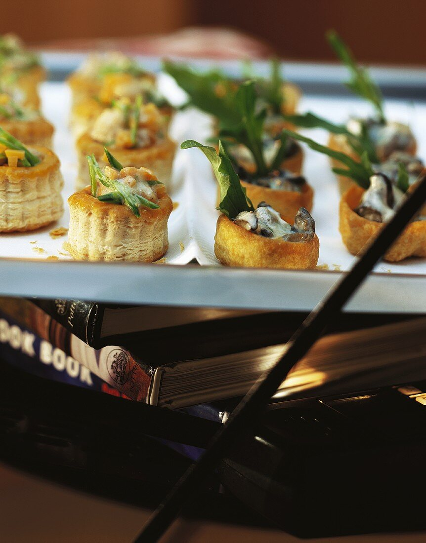 Vol-au-vents and croustades with sweetbread ragout