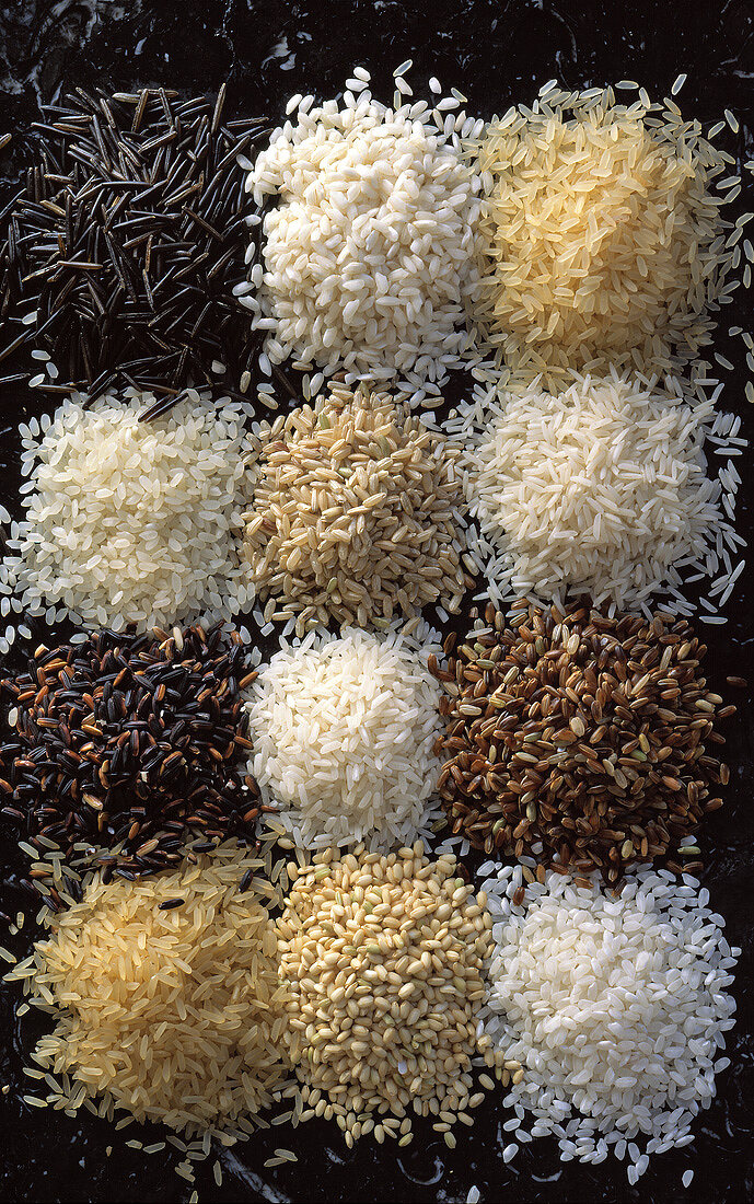 Various types of rice in small heaps