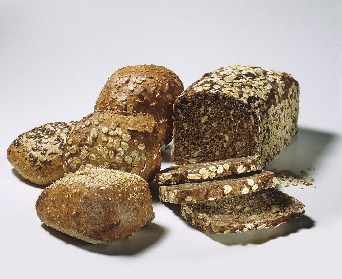 Wholemeal bread with oat flakes & a few wholemeal rolls