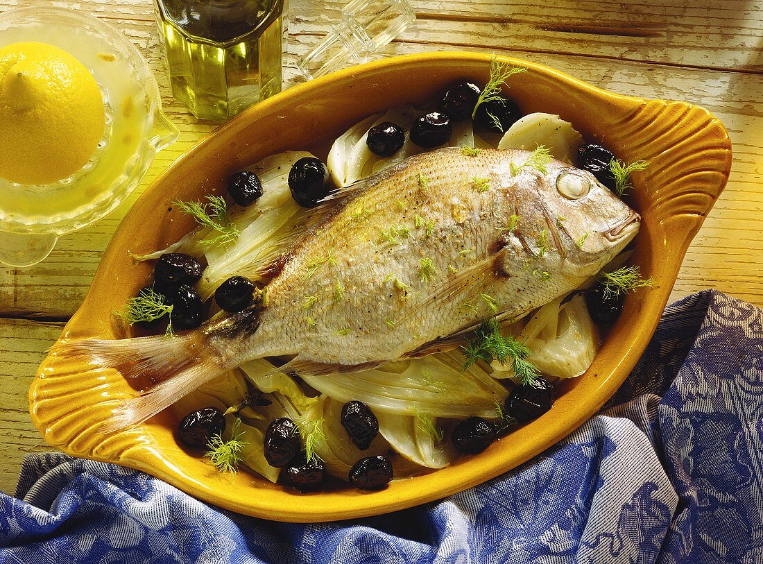 Gilthead bream with fennel and black olives