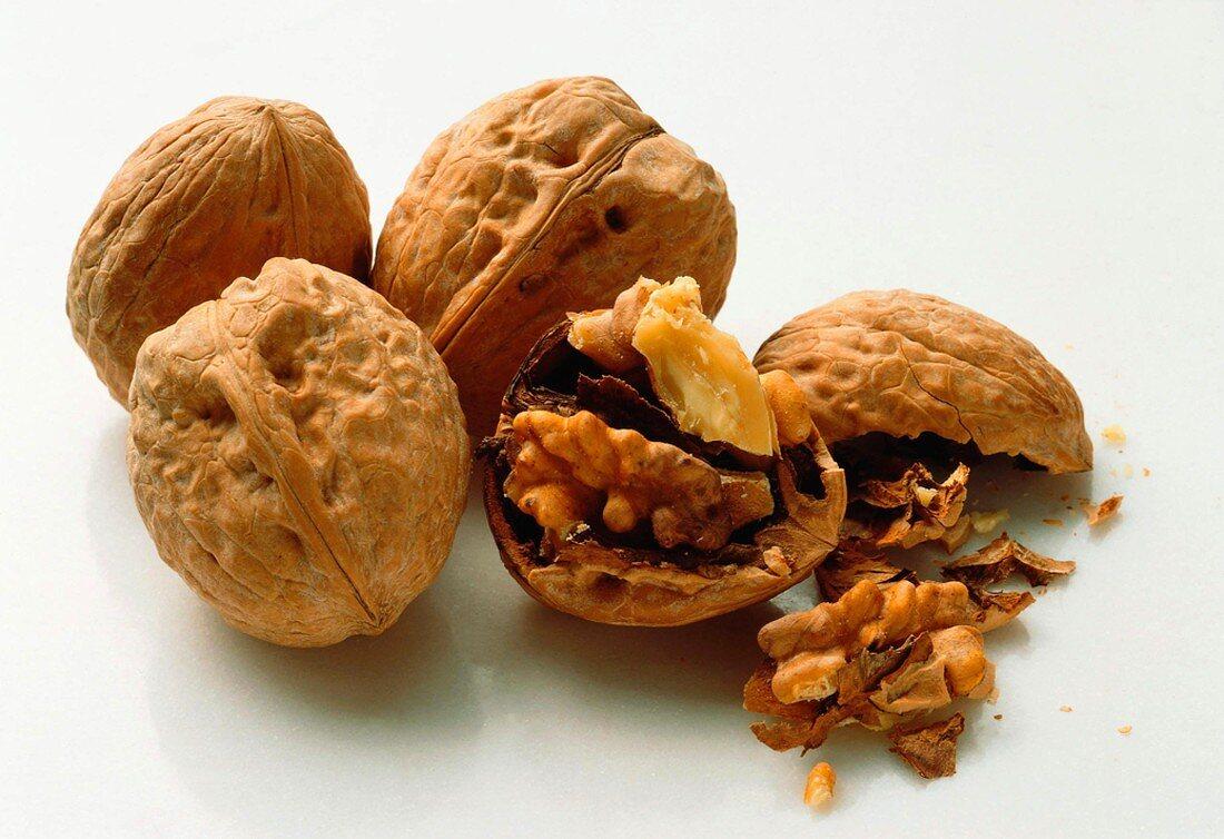 Whole Walnuts and Broken Walnut