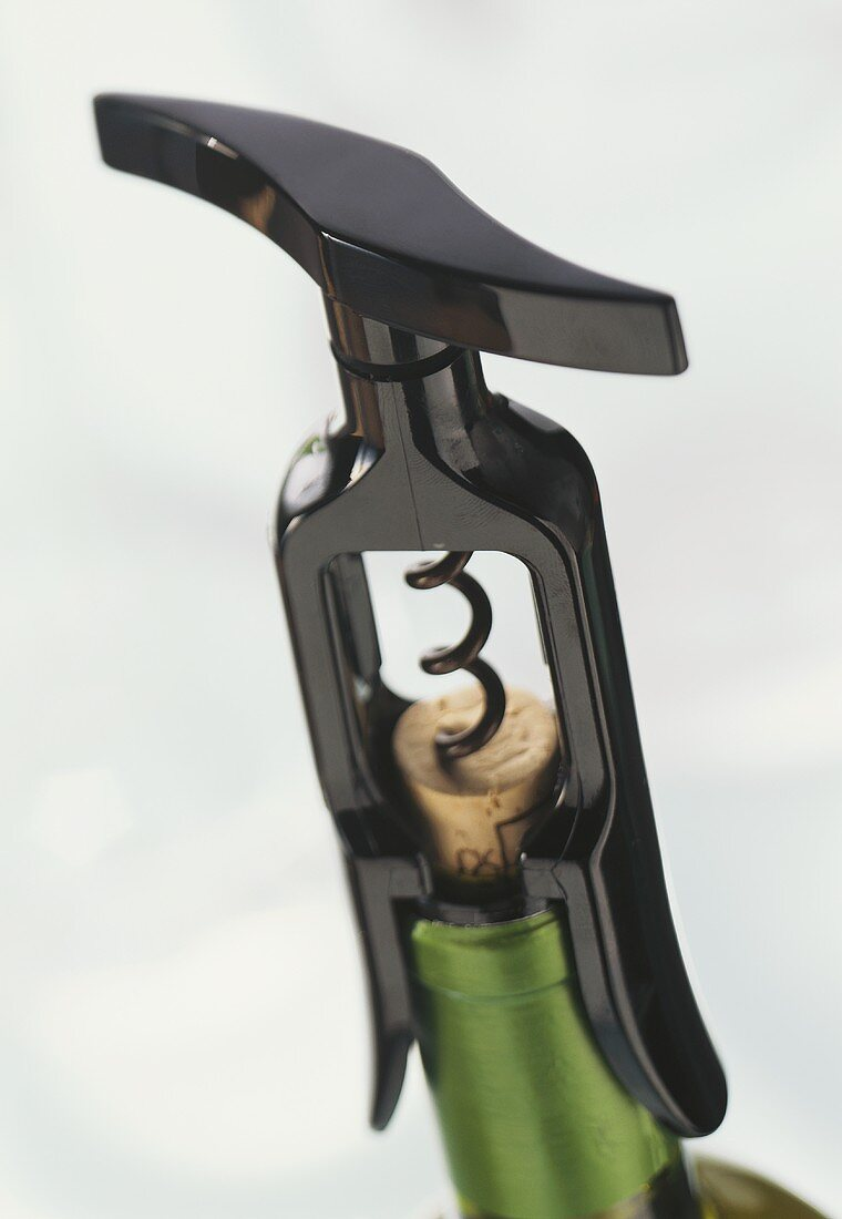 Corkscrew (Screwpull-Elite) on wine bottle