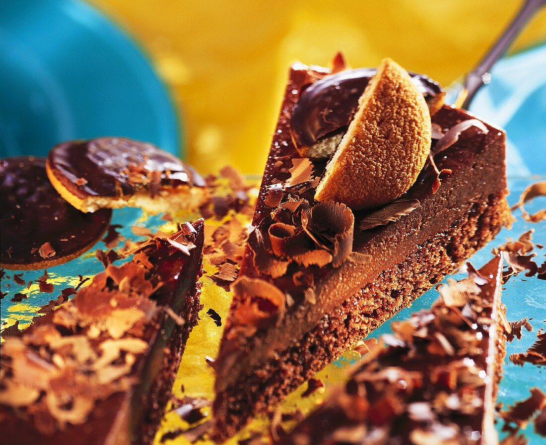 Chocolate gateau with orange biscuits