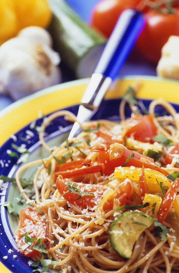 Wholemeal spaghetti with ratatouille and Parmesan