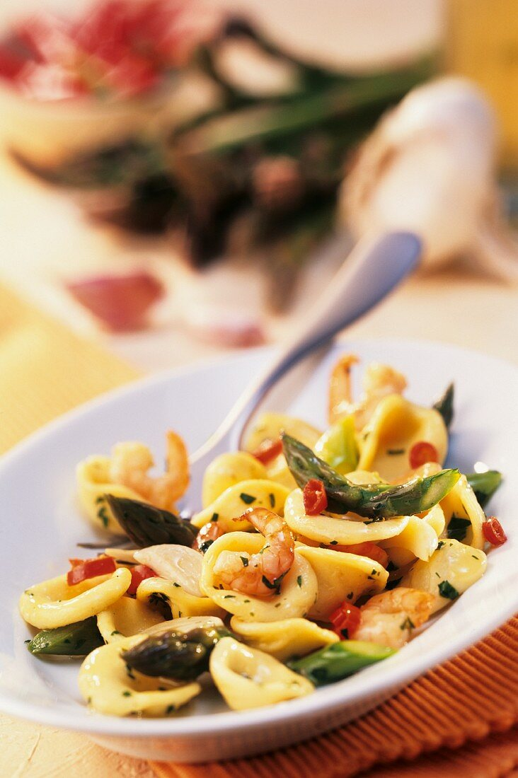 Orecchiette alle barese (Pasta with asparagus, shrimps, chili)