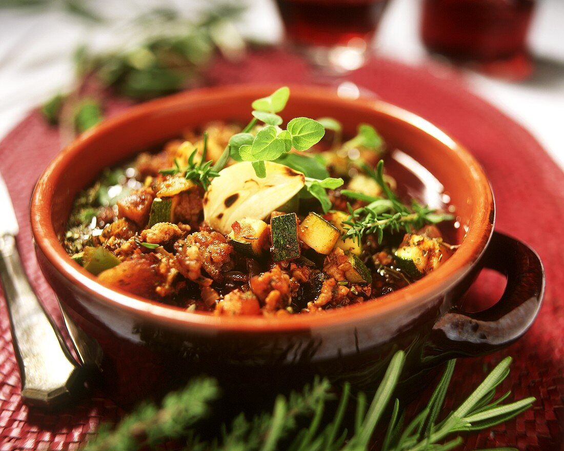 Provencal stew with mince and vegetables