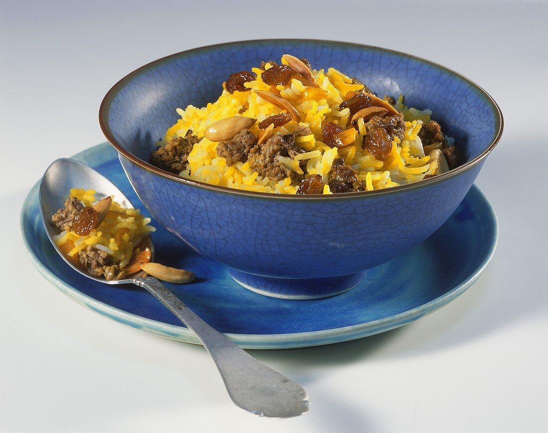 Saffron rice with almonds, raisins and mince