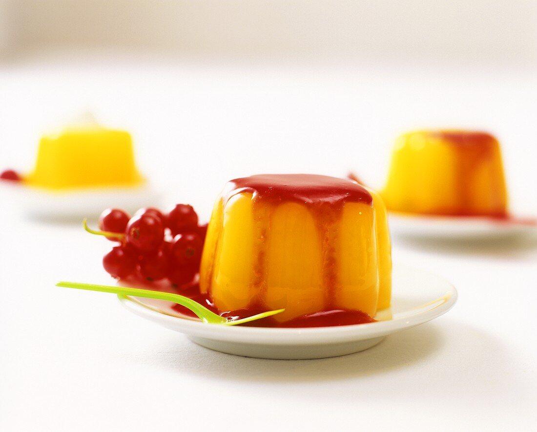 Vanilla blancmange with redcurrants