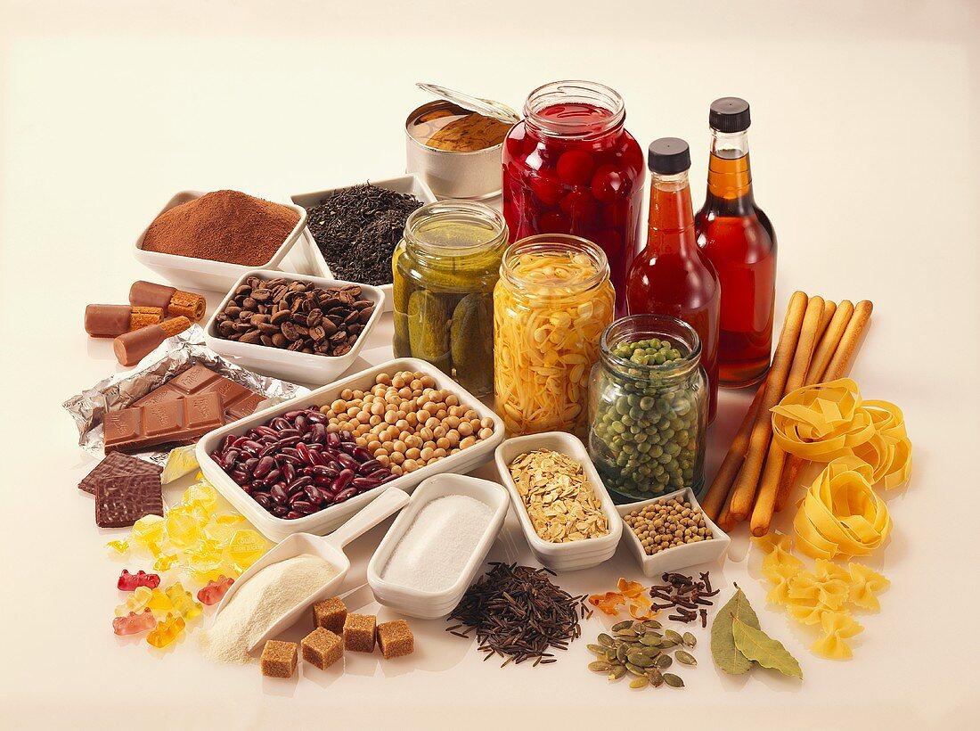 Food still life (vegetables, confectionary, noodles etc.)