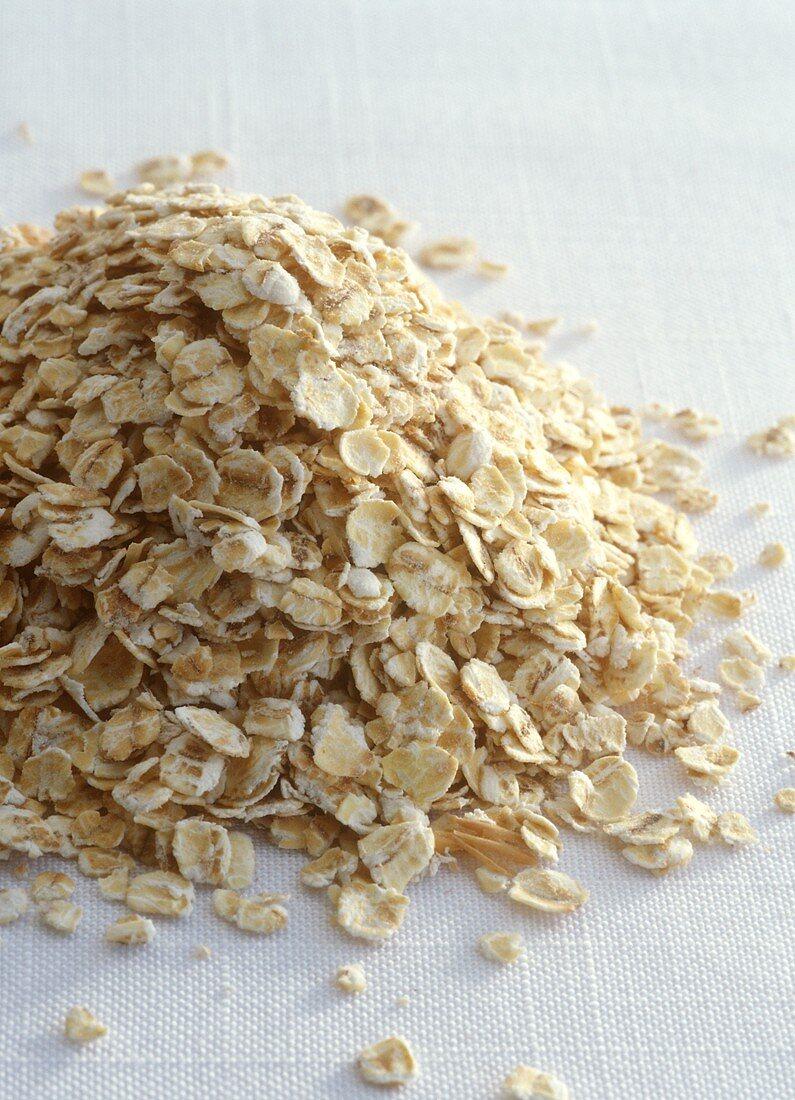 A heap of oat flakes