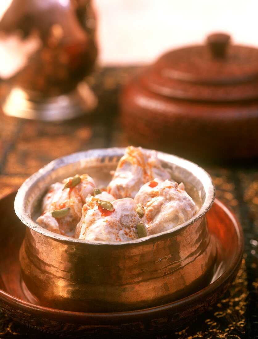 Safed maas (lamb curry in spicy cream sauce, India)