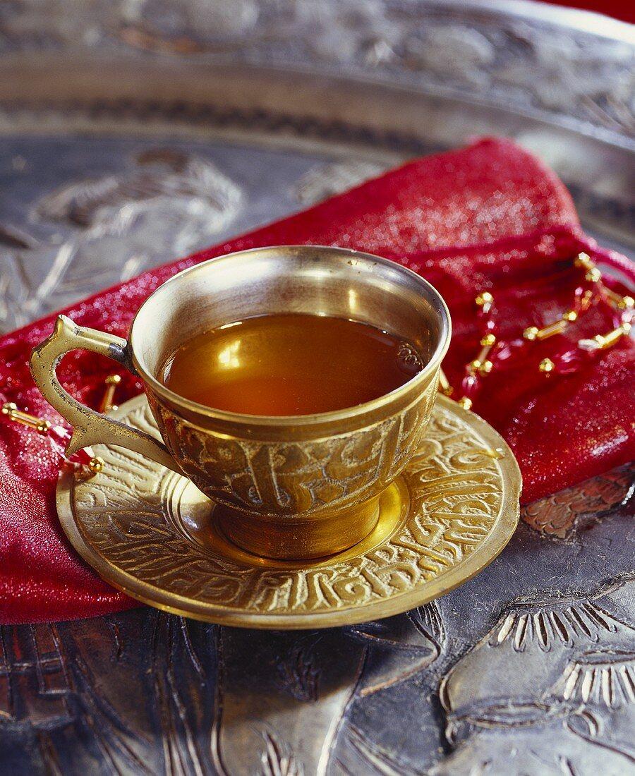 Spiced apple juice tea