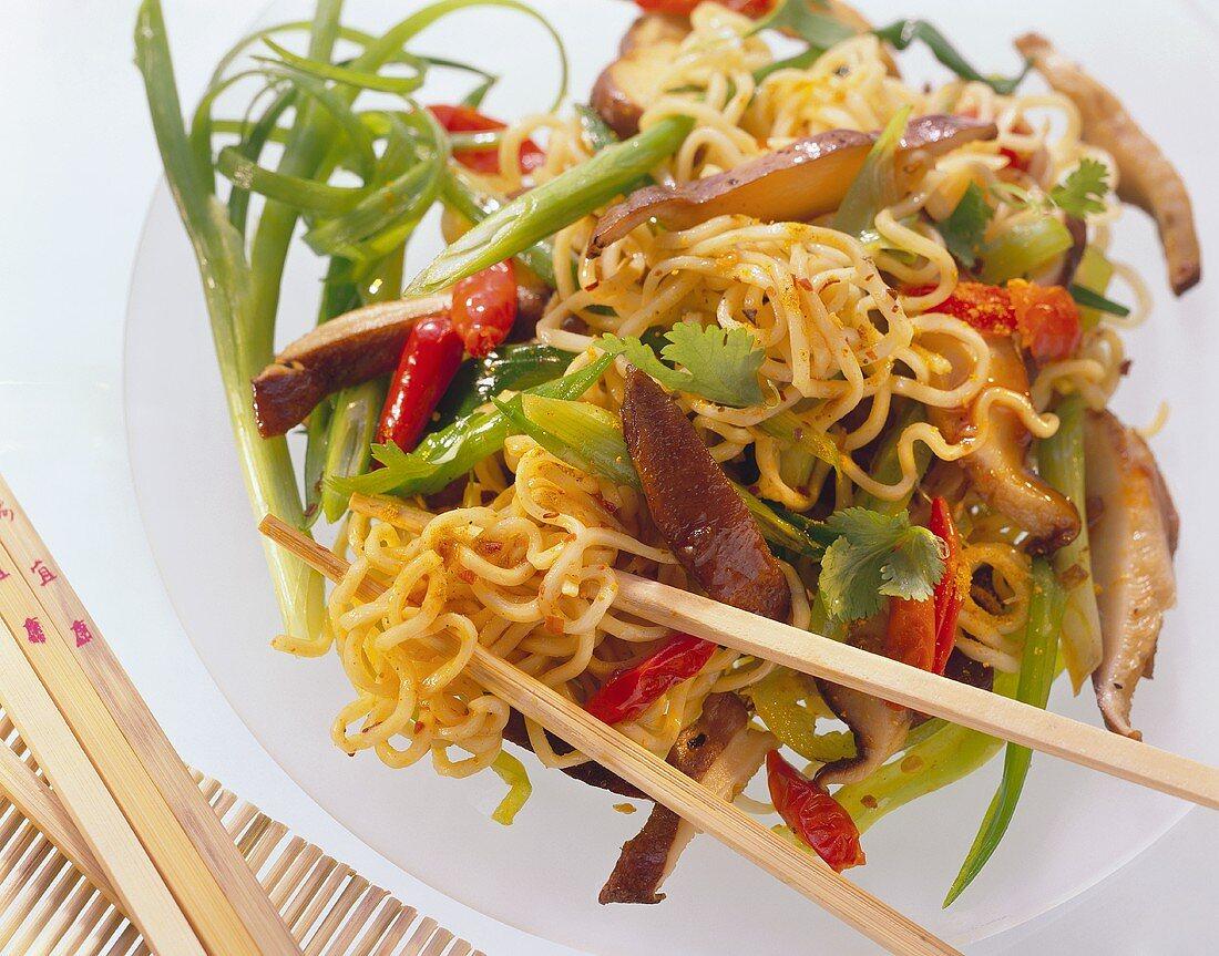 Far Eastern noodle salad, vegetables & shiitake mushrooms