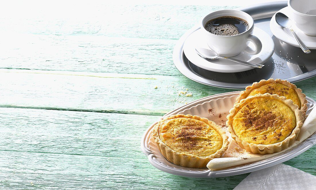 Saffron tarts and coffee (Greece)