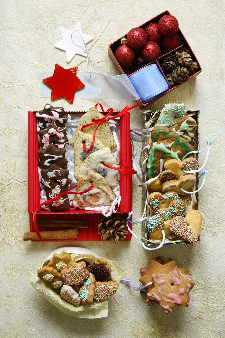 Assorted Christmas biscuits (overhead view)
