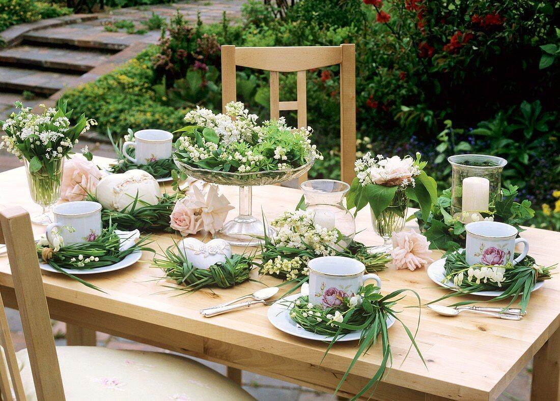 Sommerliche Tischdeko Fur Bilder Kaufen 272816 Stockfood