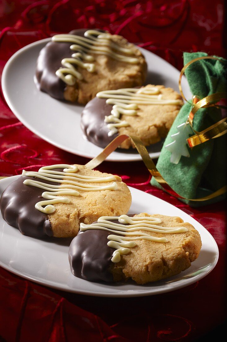 Peanut cookies decorated with chocolate