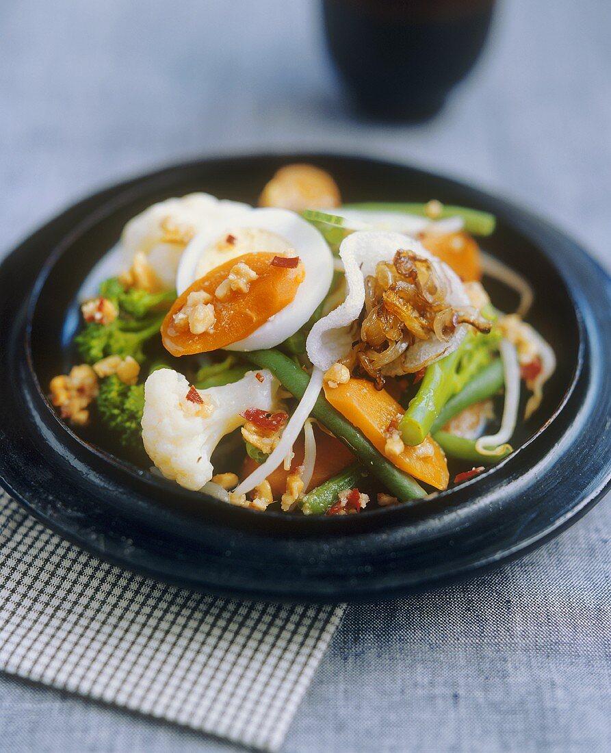 Indonesian vegetable salad