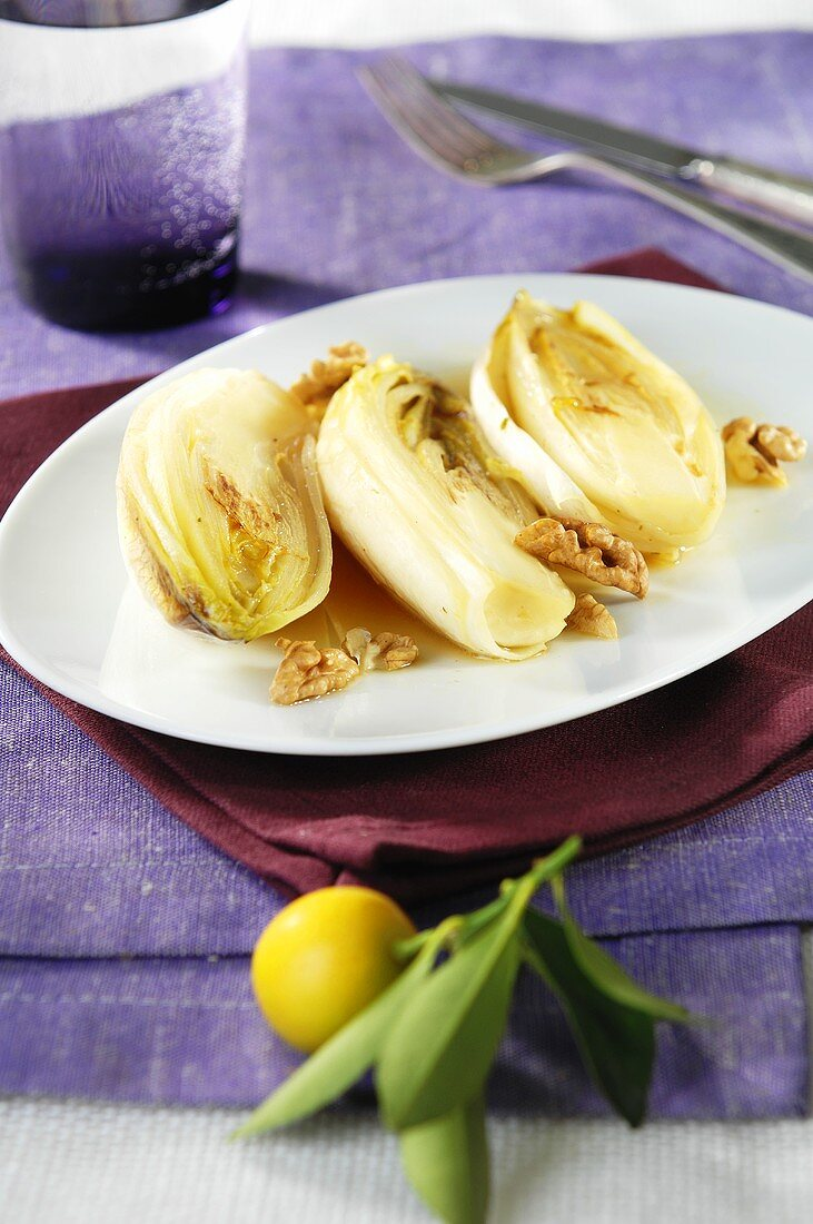 Chicory with nuts