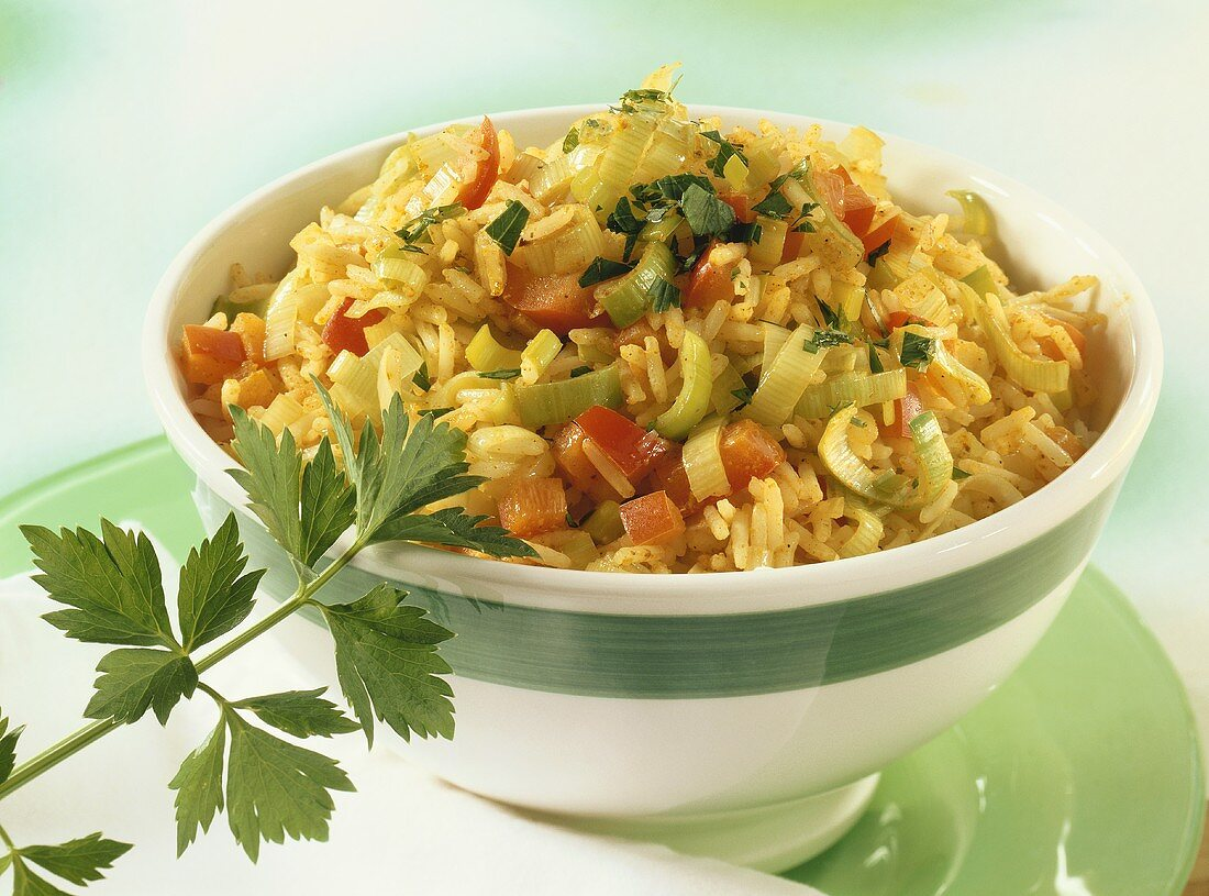 Curried rice with leeks and peppers