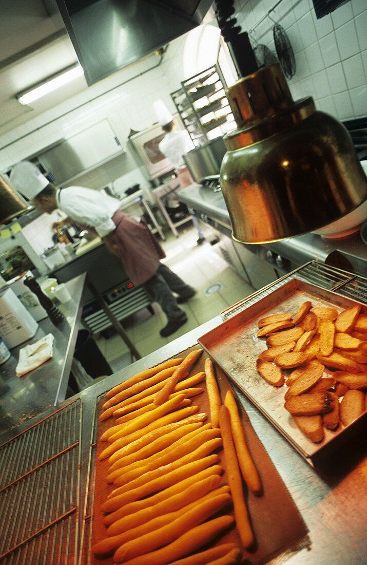Gemüse in der Küche eines französischen Restaurants