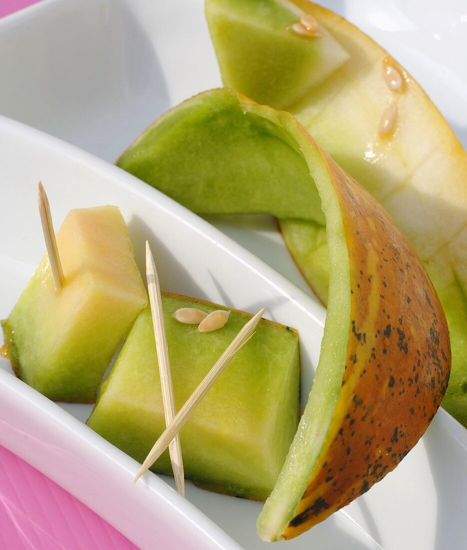 Thai melon (cubes and skin)