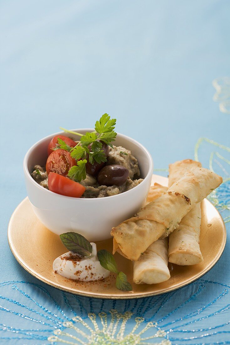 Sigara böreki (Yufka pastry rolls with sheep's cheese filling, Turkey)