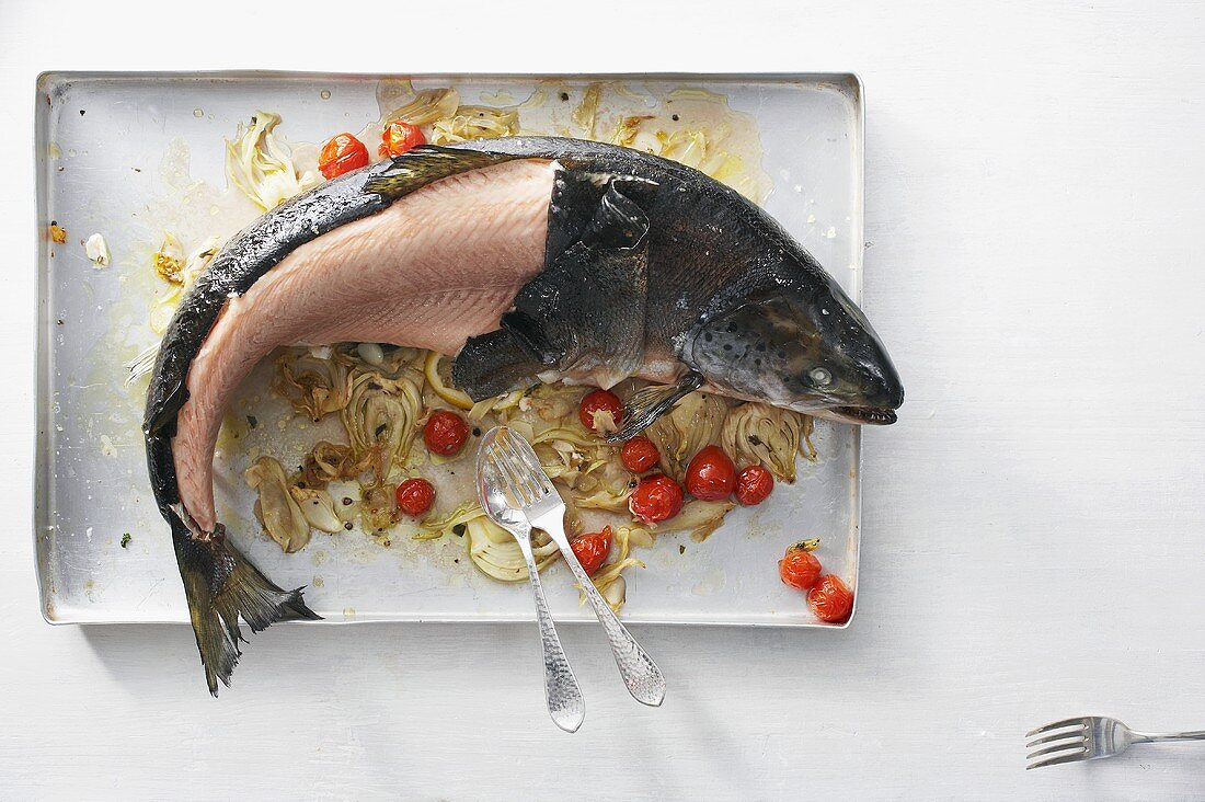 Filleting a salmon: removing the skin