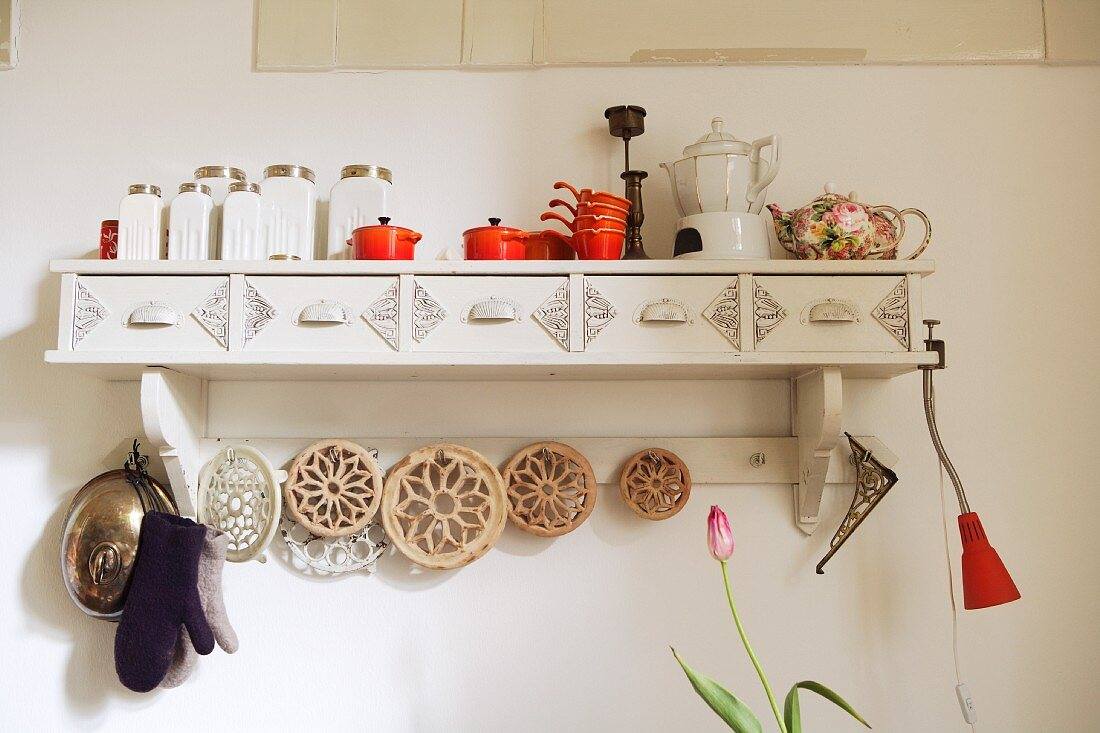Wall shelf in kitchen