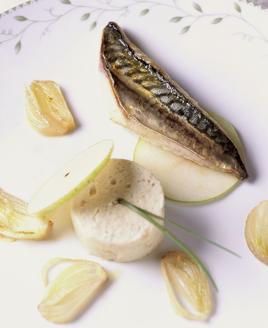 Whitefish mousse with mackerel, garlic and apple slices
