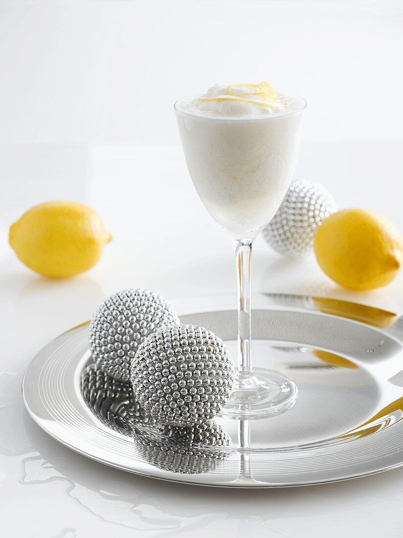 Sgroppino (Cocktail made with vodka, Prosecco and lemon sorbet)