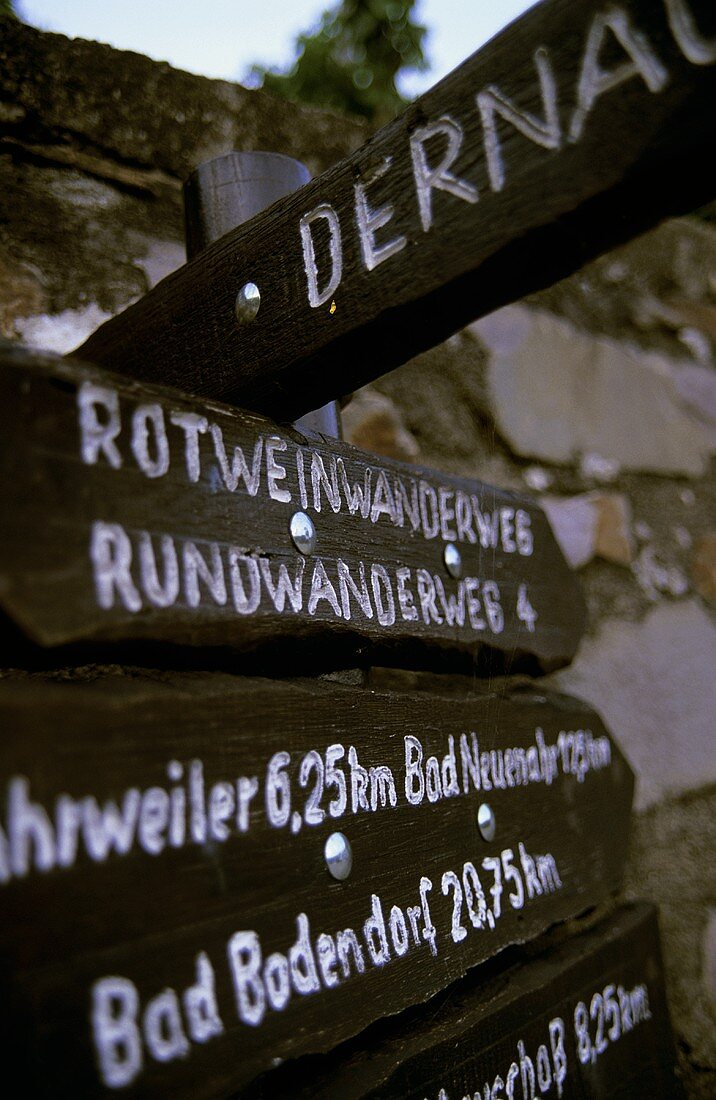 Signpost showing wine hiking trails, Dernau, Ahr