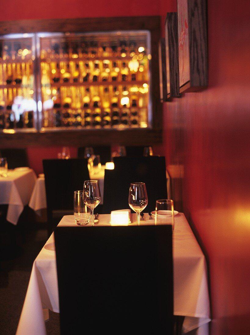 Tisch für zwei Personen in einem Restaurant in San Francisco