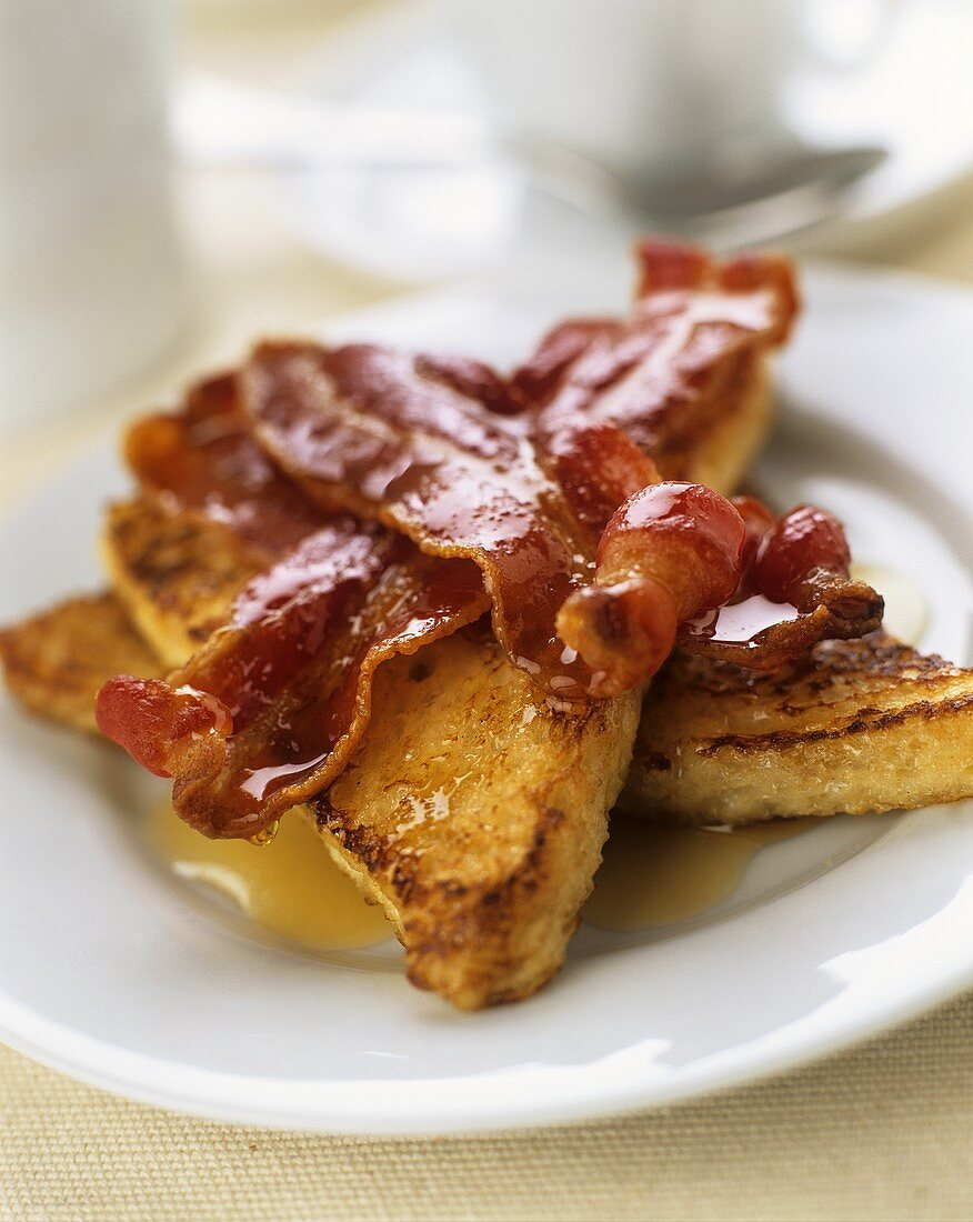 Sweet fried toast triangles with bacon