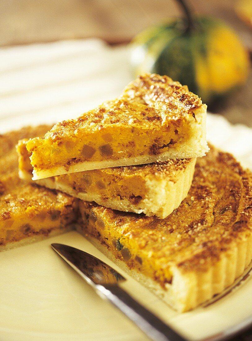 Sweet pumpkin and amaretti tart