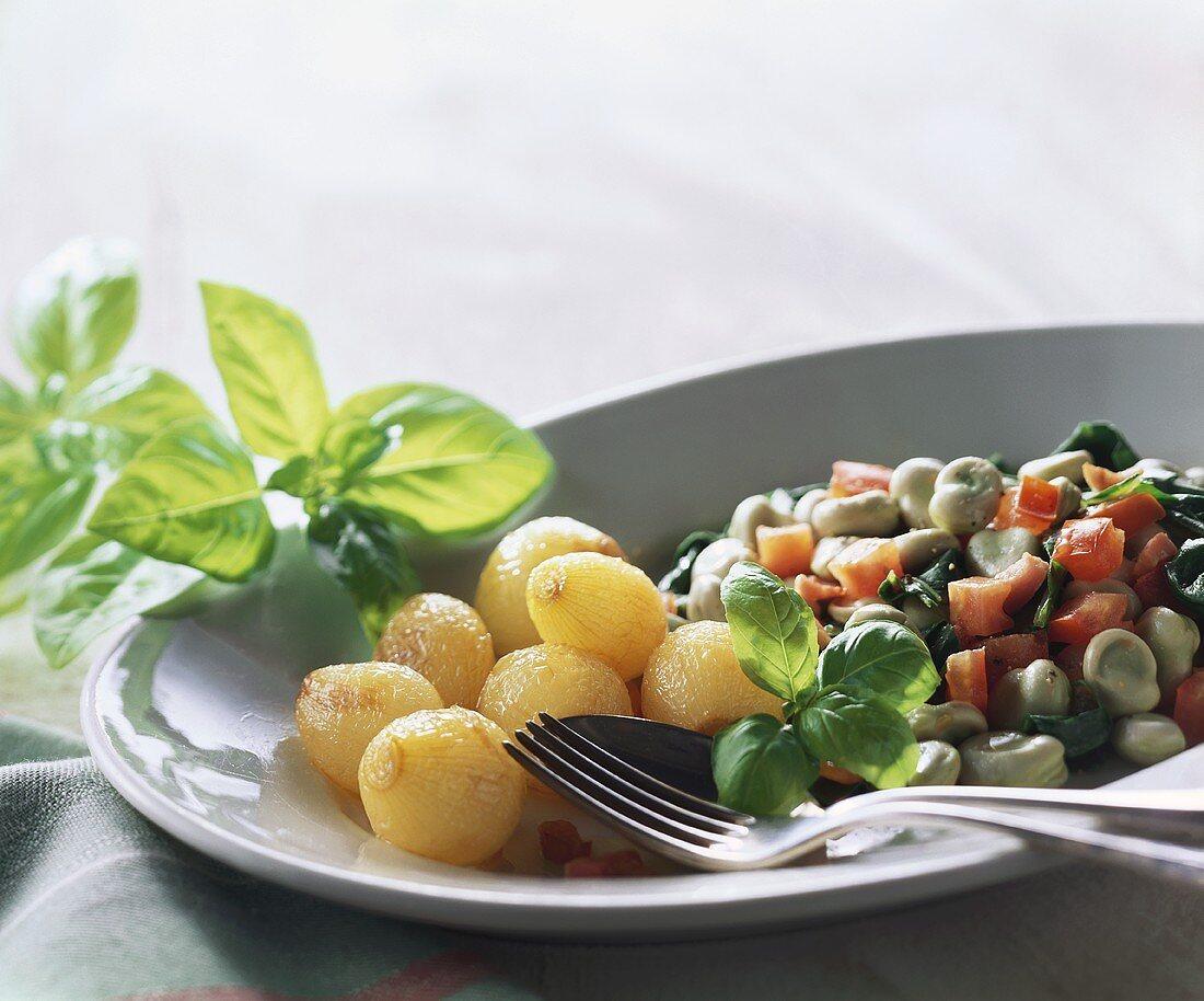 Fave con cicoria e pancetta (Dicke Bohnen, Mangold und Speck)