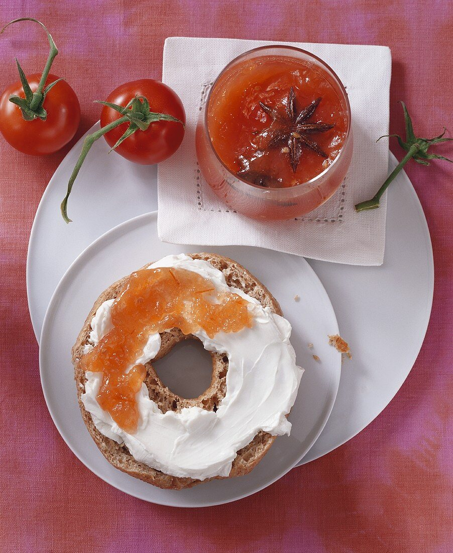 Wholemeal bagel with tomato jam