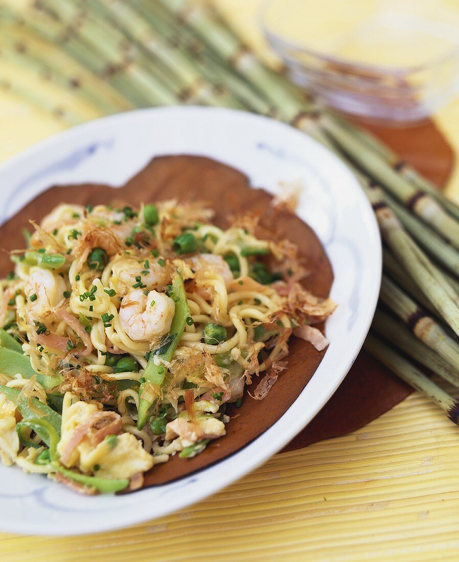 Fried egg noodles with shrimps and bonito flakes