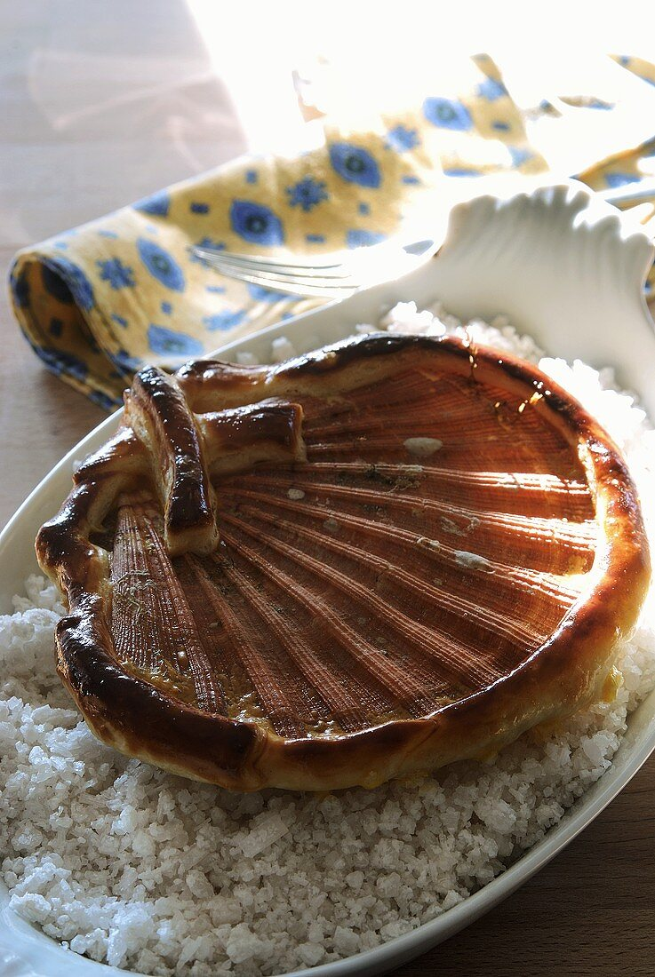 Baked scallop with pastry border
