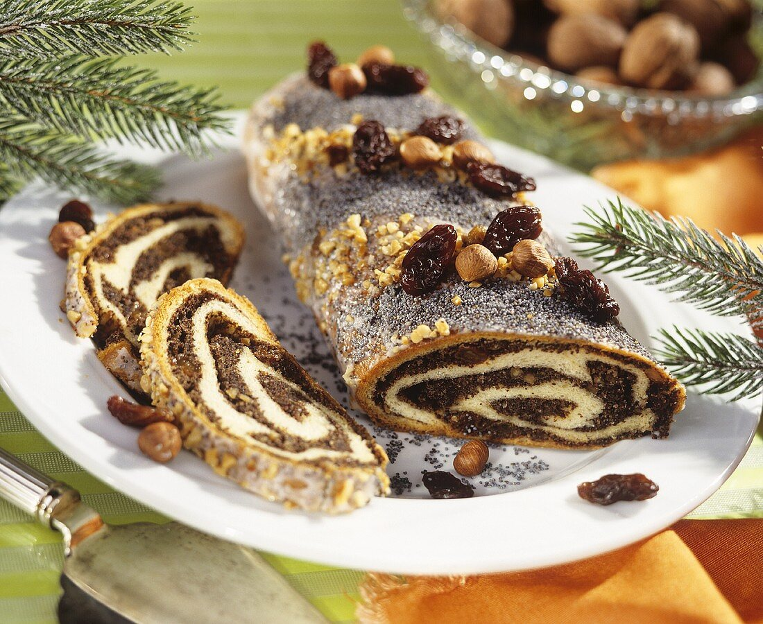 Filled yeast plait with nuts and raisins