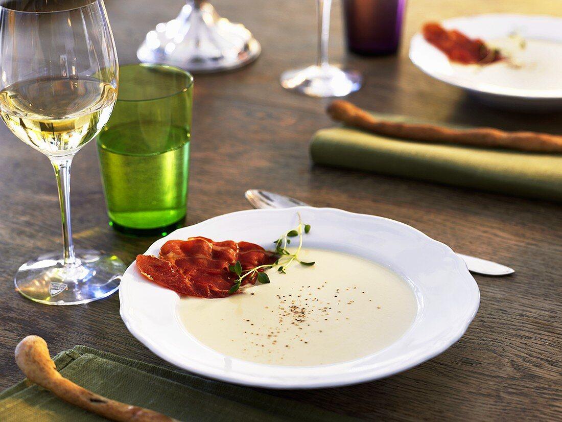 Jerusalem artichoke soup with Parma chips