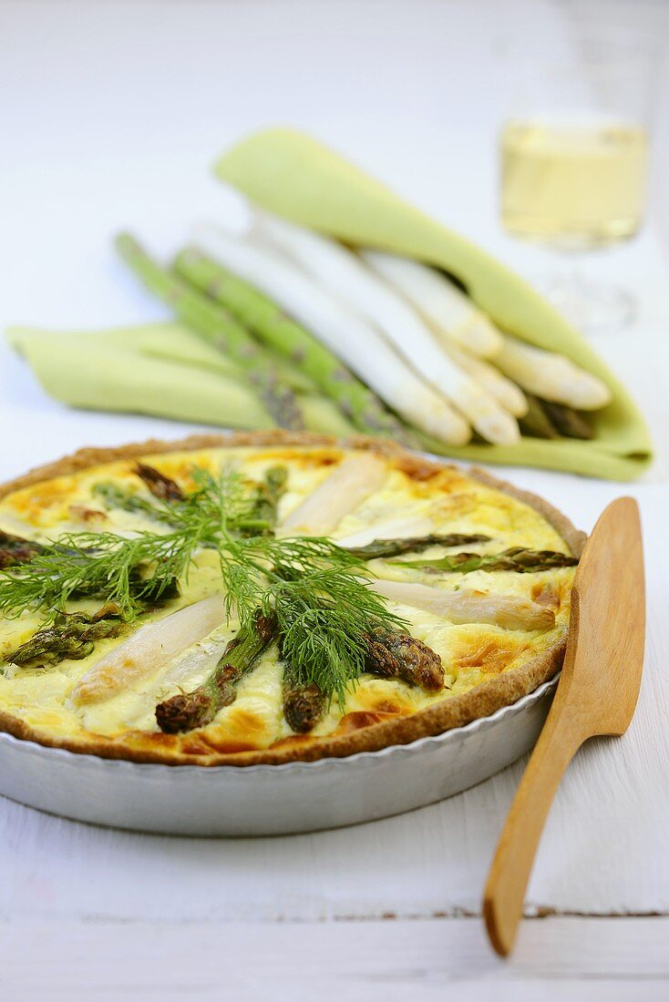 Asparagus quiche with dill