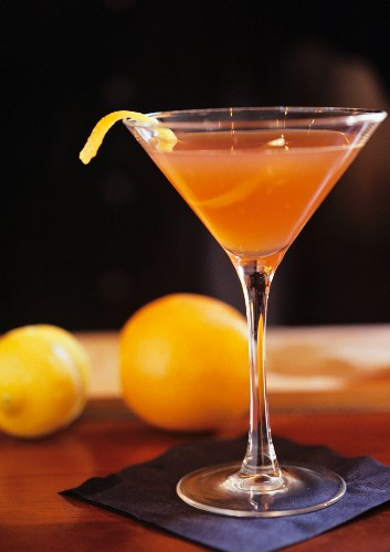 The Journalist: cocktail made with gin, Vermouth Rosso & angostura