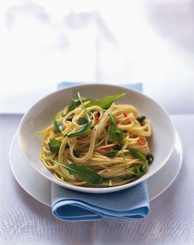 Spaghetti all'abbruzzese (Spaghetti with rocket, capers & chilli)
