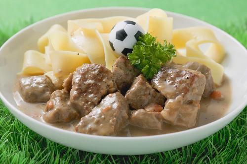 Zürcher Geschnetzeltes (veal dish) with ribbon pasta & toy football