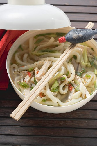 Spicy noodle soup with chicken and soy sauce (Asia)