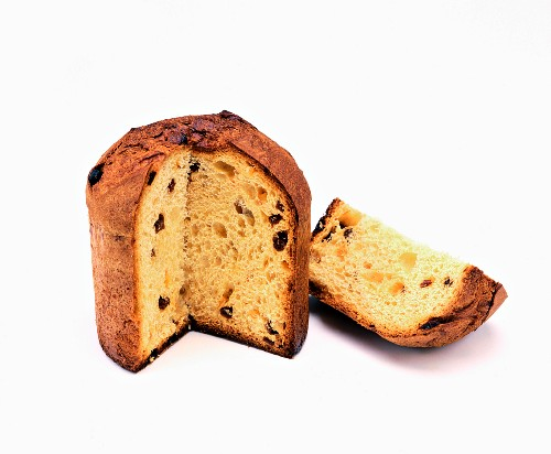 Panettone, partly sliced