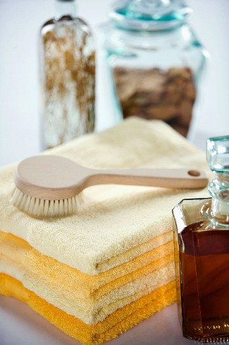 Bath products: towels, brush and bath essences